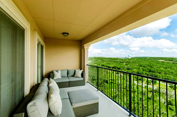 Lux Seabrook TX Apartments
